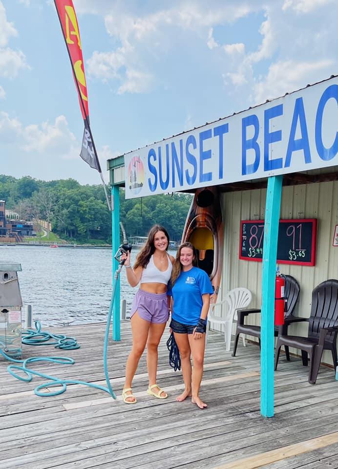 sunset-beach-dock-girls-2021-2